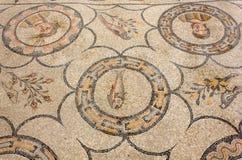 Mosaico antico del pavimento nella basilica di Aquileia immagini stock