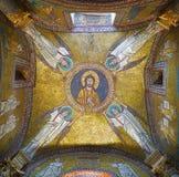 Mosaico de oro con ángeles imagen de archivo
