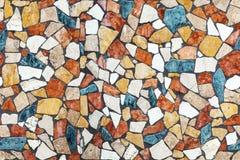 Mosaico di pietra variopinto con il modello caotico, senza cuciture Fotografie Stock Libere da Diritti