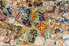 Mosaico em um banco no parque Guell Gaudi Barcelona spain imagens de stock royalty free