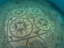 Mosaico hermoso en protiro del chalet Arqueología subacuática fotografía de archivo