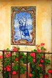 Mosaico na parede da missão Carmel fotografia de stock