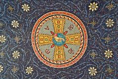 Mosaico na selagem da entrada do monastério, serbia fotografia de stock