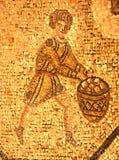 Mosaico romano antico di un uomo in una tunica immagini stock libere da diritti