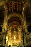 Mosaicos do altar & do ouro da catedral de Monreale, Sicília foto de stock royalty free