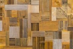 mosaik盘区的片段从另外难看的东西葡萄酒木纹理的设计和装饰的 库存图片