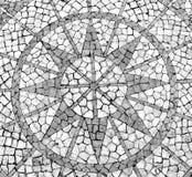 Mosaik in einem portugiesischen Bürgersteig Stockbilder