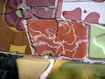 Mosaik på bänk i Parc Guell Barcelona Royaltyfria Bilder