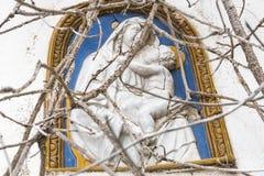 Mosaik von Jungfrau Maria und von Baby Jesus in den Ruinen Lizenzfreie Stockfotos