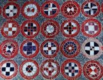 Mosaikplatte von mehrfarbigen Steinen lizenzfreie stockbilder