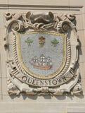 Mosaikschild von bekannter Hafenstadt Queenstown an der Fassade von pazifischen Linien Errichten Vereinigter Staaten Linie-Panama Lizenzfreies Stockbild
