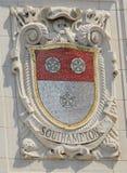 Mosaikschild von bekannter Hafenstadt Süd-Hampton an der Fassade von pazifischen Linien Errichten Vereinigter Staaten Linie-Panam lizenzfreie stockfotos