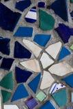 Mosaisk textur för blått- och gräsplantegelplatta royaltyfria bilder