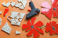 Mosaiska tegelplattor med slagträet royaltyfri foto