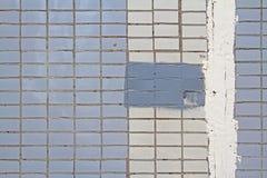 Mosaiska tegelplattor på fasaden av ett hus Arkivbilder