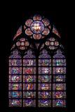 Mosaiskt fönster av domkyrkan av Notre Dame Arkivbild