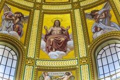 Mosaiskt kupolhelgon Stephens Cathedral Budapest Hungary för Kristus Arkivbilder