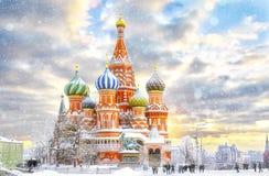 Moscú, catedral del ` s de la albahaca del St Imagenes de archivo