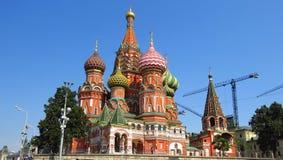 MOSCÚ, CUADRADO ROJO, catedral de Basil's del santo Fotos de archivo libres de regalías