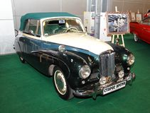 MOSCÚ - 9 DE MARZO: El rayo de sol retro Talbot 90 1953 del automóvil es exp Fotografía de archivo libre de regalías
