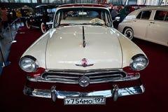 MOSCÚ - 9 DE MARZO DE 2018: GAZ-M21 Volga 1956 en la exposición Oldtim Fotos de archivo libres de regalías