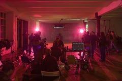 Director, personal y actores en el sistema de vídeo Fotos de archivo