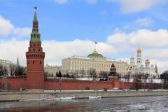 Moscú el Kremlin en la primavera foto de archivo
