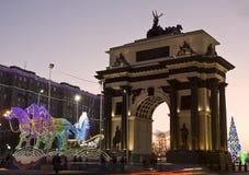 Moscú, escultura eléctrica de Santa Claus en carri Imagenes de archivo