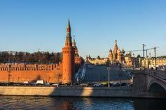 Moscú kremlin en la puesta del sol Imagenes de archivo