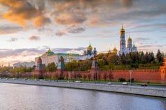 Moscú Kremlin por la tarde Fotos de archivo libres de regalías