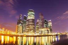 Moscú la ciudad de la noche Imagen de archivo libre de regalías