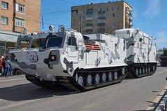 MOSCÚ, MAYO, 9, 2018: Desfile del día de fiesta de la gran victoria del tanque ruso de los vehículos militares: ártico antiaéreo  Foto de archivo