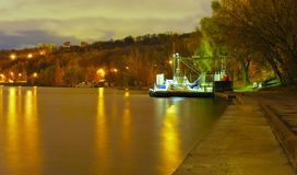 Moscú, noche, río Imágenes de archivo libres de regalías