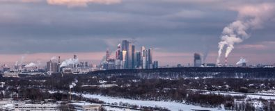 Moscú oscura imagenes de archivo