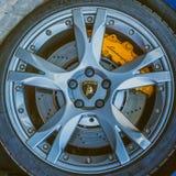 moscú Otoño 2018 Rueda de Lamborghini con el neumático, ingenio del disco del freno imágenes de archivo libres de regalías