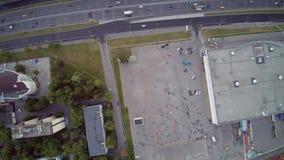 Moscú que recolecta el abejón aéreo de los motoristas almacen de metraje de vídeo