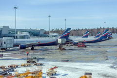 MOSCÚ, RUSIA - 22 DE MARZO DE 2012: Airbus A320 de Aeroflot en Fotografía de archivo