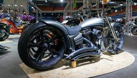 Moscú, Rusia - 17 de marzo de 2018: La sala de exposiciones del motocycle también conocida como Motovesna Fotos de archivo libres de regalías