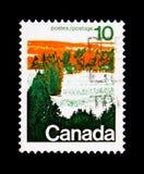 MOSCÚ, RUSIA - 24 DE NOVIEMBRE DE 2017: Un sello impreso en Canadá sh Fotografía de archivo