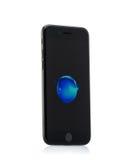 MOSCÚ, RUSIA - 18 DE OCTUBRE DE 2016: El nuevo iPhone negro 7 es un elegante Fotos de archivo
