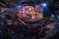 MOSCÚ, RUSIA - 27 DE OCTUBRE DE 2018: Huelga del contador del EPICENTRO: Acontecimiento ofensivo global de los esports Lugar de l fotografía de archivo