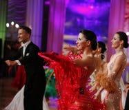 Moscú, Rusia, la 3a de diciembre de 2017, baile de hombres y wo imagen de archivo libre de regalías