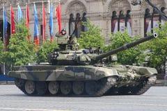 Moscú, Rusia - pueden 09, 2008: celebración del desfile de Victory Day WWII en cuadrado rojo Paso solemne del equipo militar, vol Imágenes de archivo libres de regalías