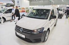 MOSCÚ, SEPT, 5, 2017: La opinión sobre el nuevo carrito de Volkswagen modificó el objeto expuesto del coche para requisitos parti Fotografía de archivo
