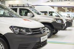 MOSCÚ, SEPT, 5, 2017: La opinión sobre nuevo Volkswagen modificó para requisitos particulares de los coches del camino, objetos e Foto de archivo libre de regalías