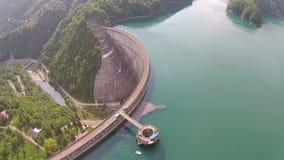 Mosca da represa da água sobre vídeos de arquivo