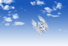 Mosca de la forma del símbolo de moneda del dólar de la nube sobre el cielo Fotos de archivo
