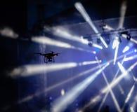 Mosca del fuco all'alta velocità su un cielo Fotografia Stock Libera da Diritti