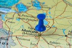 Mosca ha appuntato in una mappa del primo piano per la coppa del Mondo 2018 di calcio in Russia Fotografie Stock Libere da Diritti