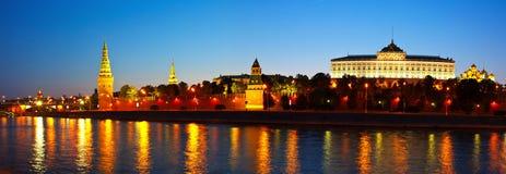 Mosca Kremlin nella notte di estate Immagine Stock